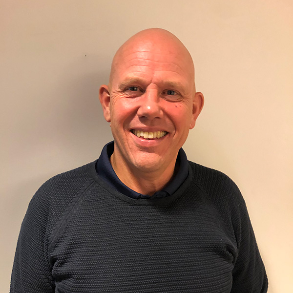 Helge Gausdal : Daglig leder, byggmester